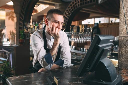 レジ搭載の分析機能でカフェ経営をサポート