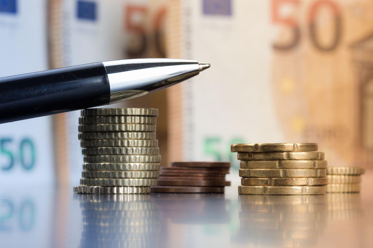 非課税 課税 化 持続 金 給付