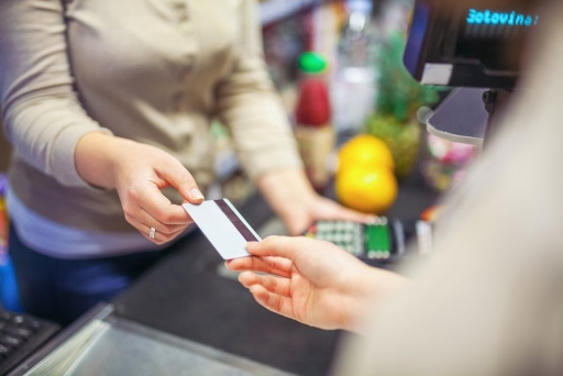 支払いがクレジットカードなどキャッシュレス決済の場合